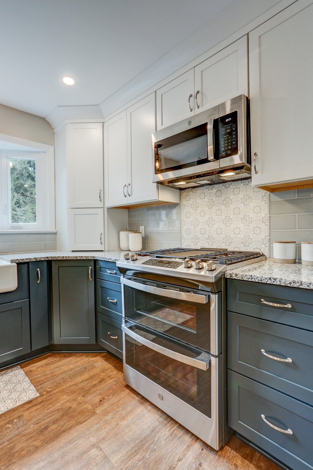 New Stainless Steel Appliances in Warwick Township Kitchen Remodel