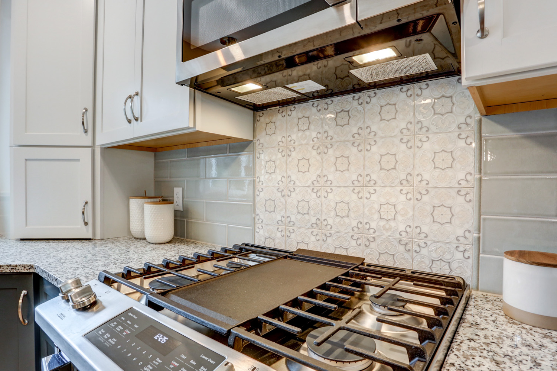 New Range with Backsplash Design in Warwick Township Kitchen Remodel