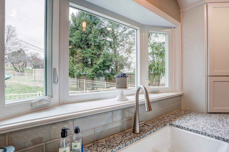 Bay window in Warwick Township Kitchen Remodel