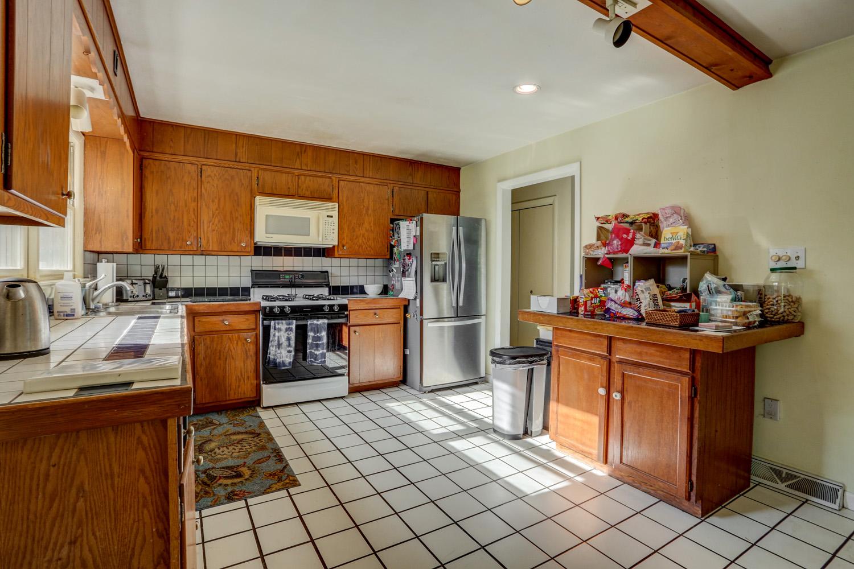 Before photo of Lititz kitchen remodel