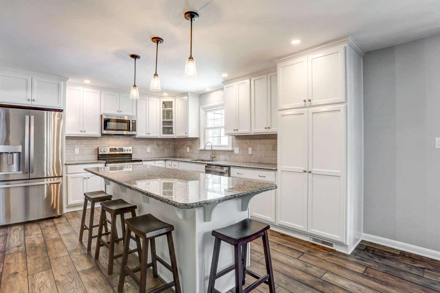 Lititz kitchen remodel with large island and pendant lights